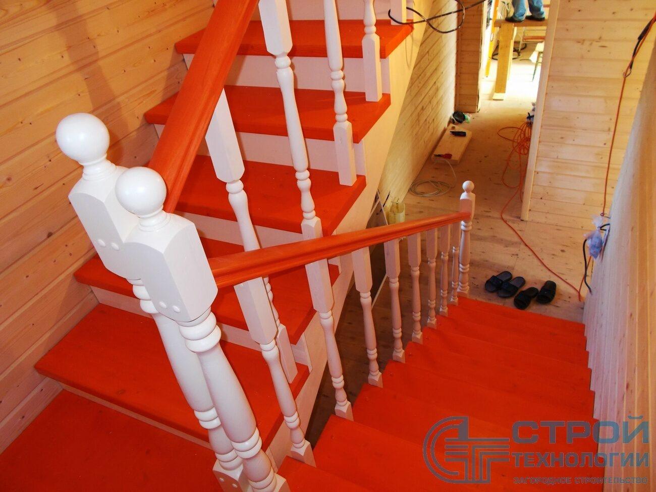 Лестницы, ступени балясины для лестниц из бука, ясеня в